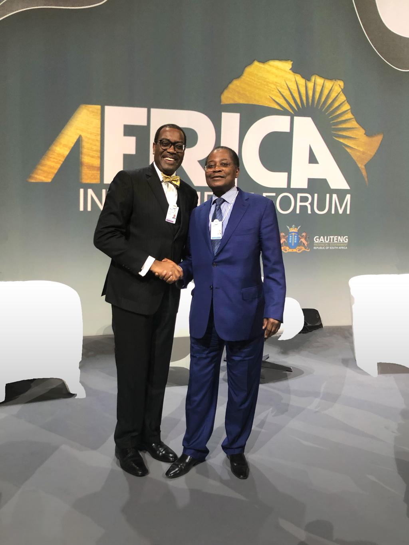 Monsieur Akinwumi Adesina, président de la Banque Africaine de Développement et Monsieur Samuel Dossou-Aworet, Président de Petrolin à l'Africa Investment Forum